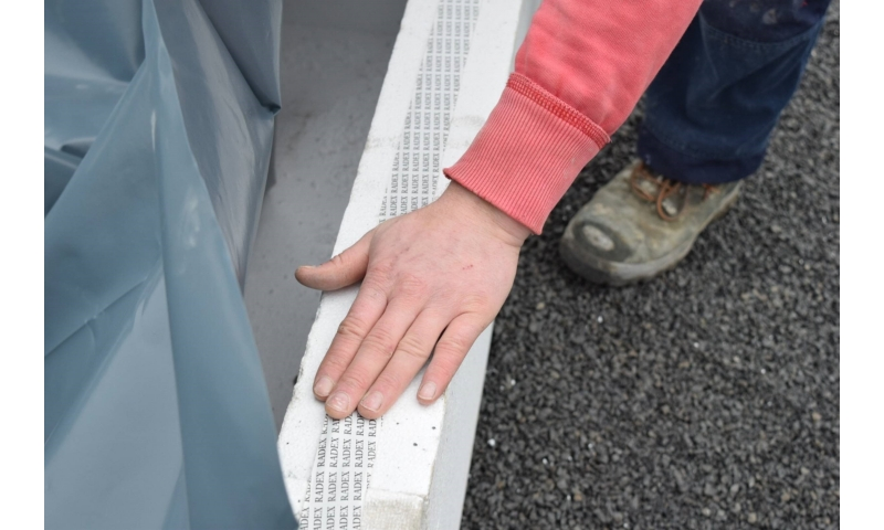 insulated-foundation-system-dpc-fitted-using-double-sided-tape